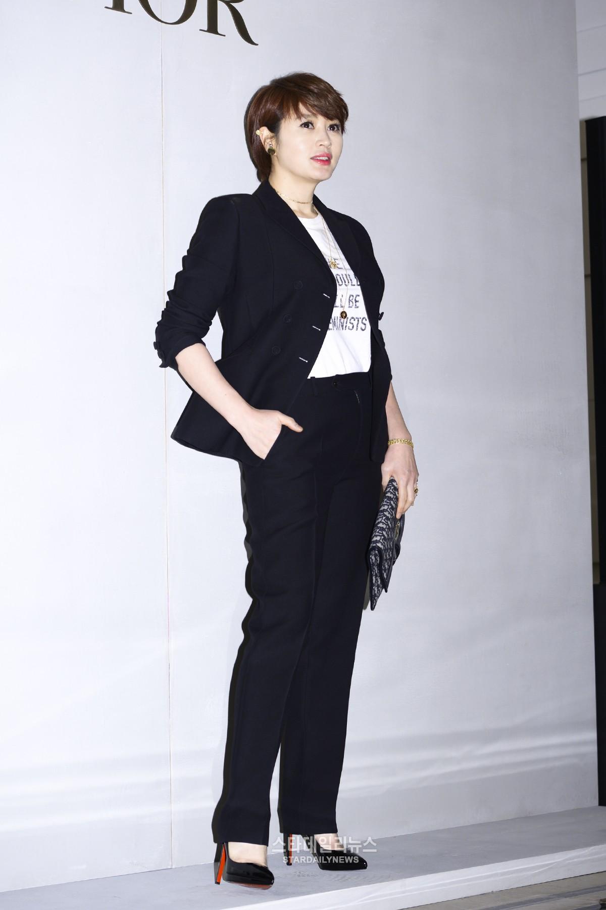 Yoona và Sulli cùng diện đồ hiệu đẳng cấp, đọ sắc vóc một chín một mười tại sự kiện của Dior - Ảnh 13.