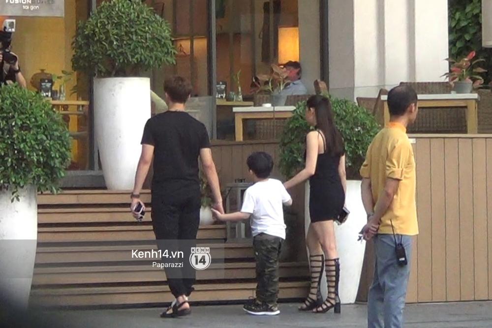 Giữa tin đồn ly hôn, Tim và Trương Quỳnh Anh vẫn tay trong tay tổ chức sinh nhật tròn 5 tuổi cho con trai - Ảnh 3.