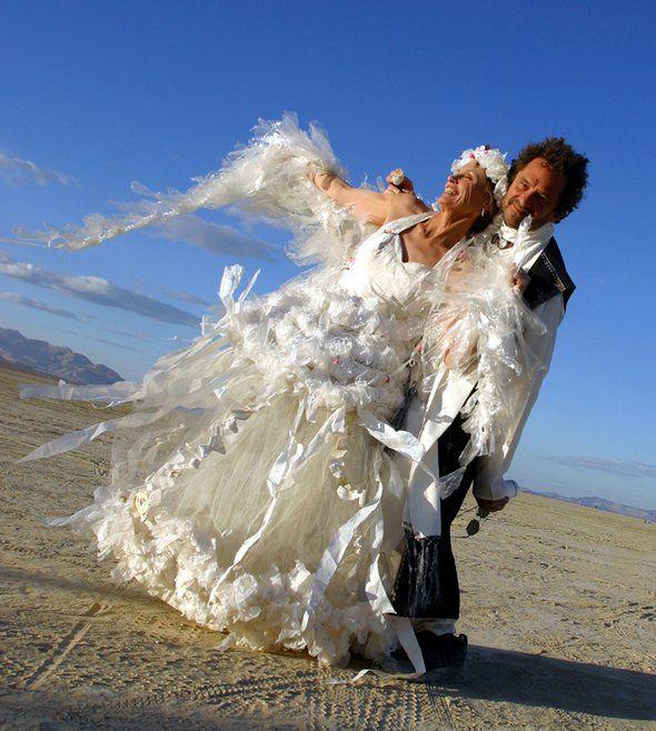 17 cô dâu hóa tuồng chèo khi khoác lên mình những thảm họa váy cưới - Ảnh 23.