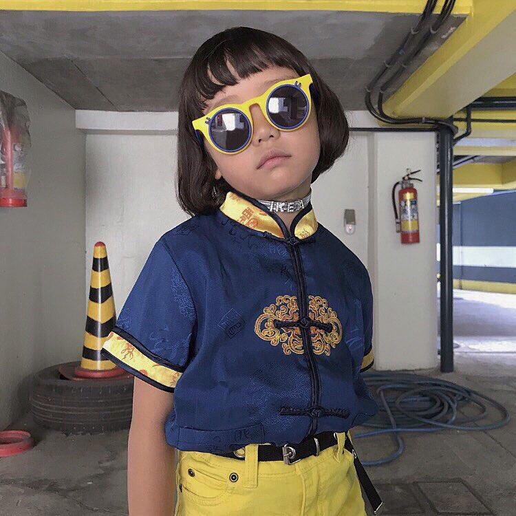 Mix đồ đẹp hơn người lớn, luôn đeo kính cực ngầu, cô bé này chính là fashion icon nhí chất nhất Nhật Bản - Ảnh 5.