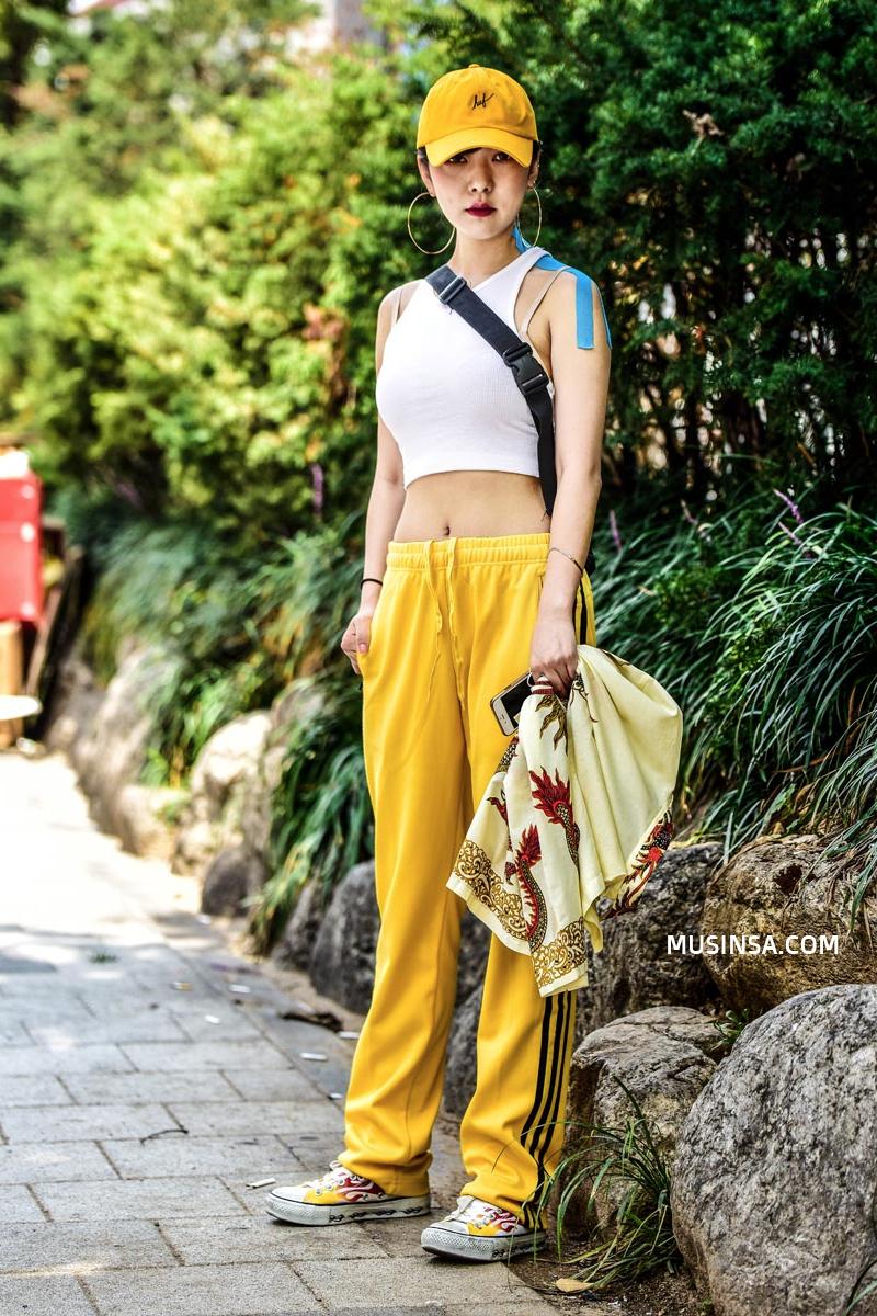 Giới trẻ Hàn sẽ khiến bạn xuýt xoa với street style chất mà chẳng cần phải cố đơn giản nhưng hút mắt quá đỗi - Ảnh 12.