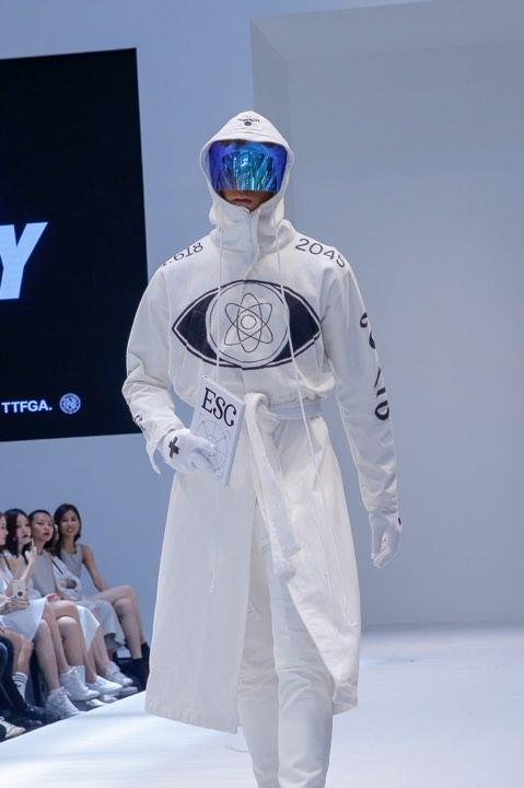 Lần đầu đến Malaysia dự fashion week, Kelbin Lei không ngờ giới trẻ ở đây biết rõ về mình - Ảnh 13.