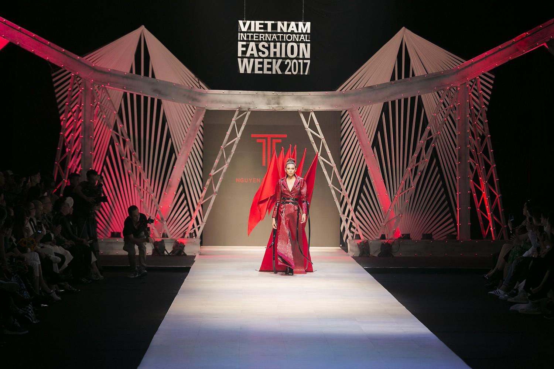 Ngoài cái tên Công Trí, Vietnam International Fashion Week còn có đến 4 BST không-thể-không-xem - Ảnh 16.