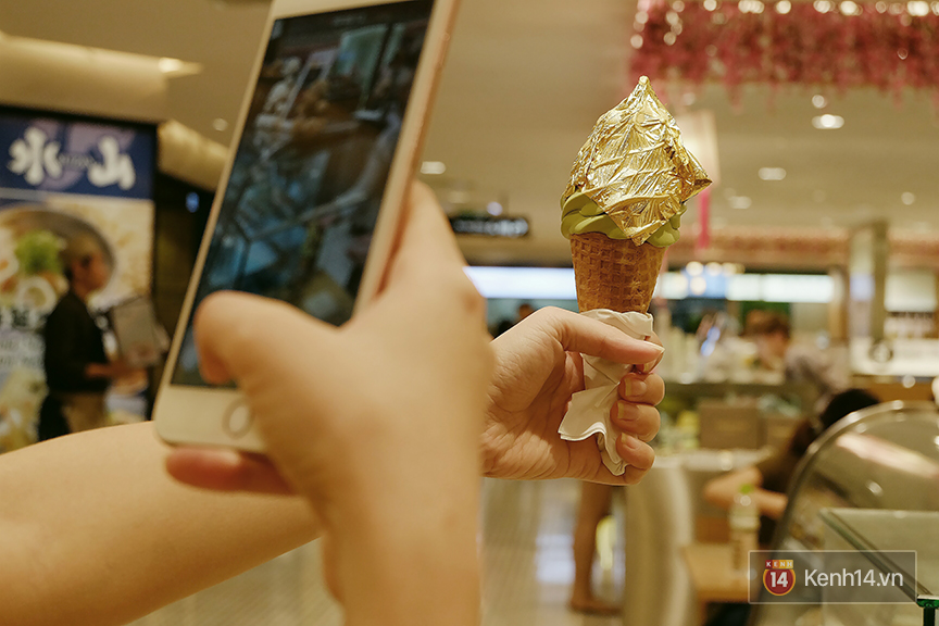 Đi ăn thử kem phủ vàng 24k đang siêu hot: Cực đáng đồng tiền bát gạo - Ảnh 10.