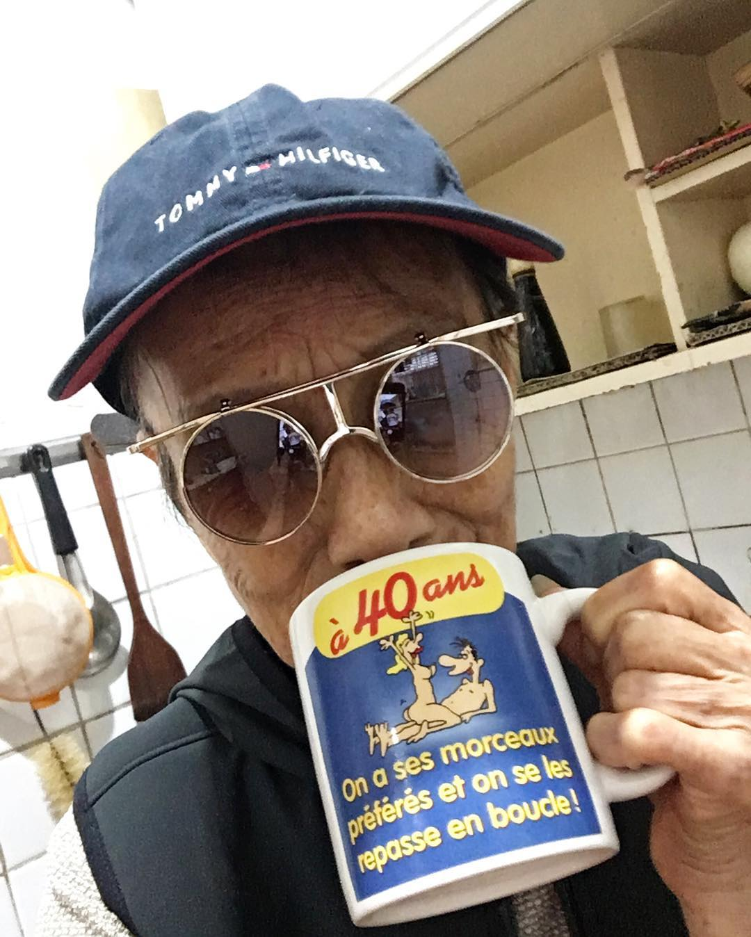 Chỉ 2 tuần sau khi xuất hiện trên Instagram, cụ bà 88 tuổi này đã trở thành hiện tượng thời trang xứ Đài - Ảnh 14.