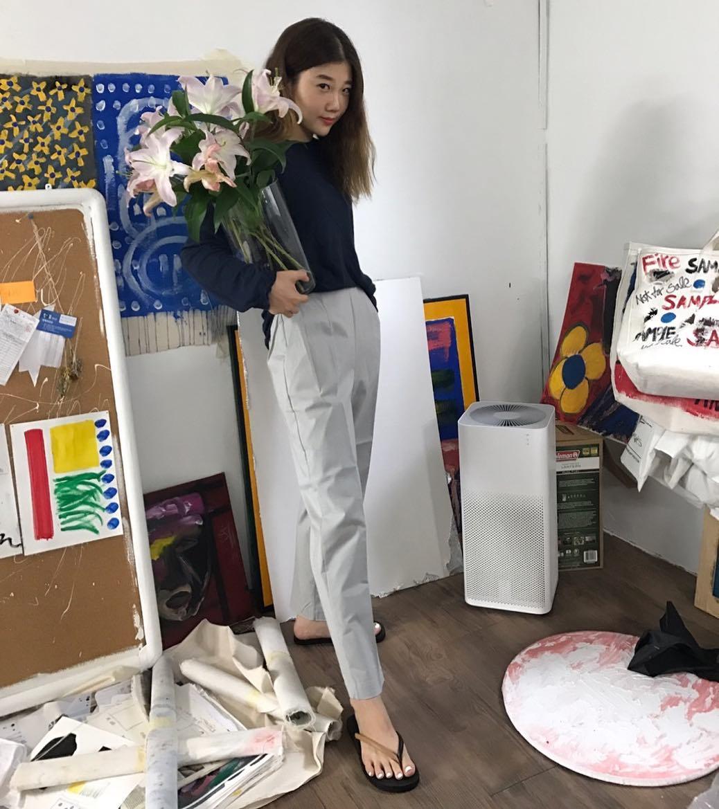 Dép tông, dép lào giờ đã thành món đồ sành điệu, được các fashionista xứ Hàn diện cùng đồ đi chơi cực chất - Ảnh 15.