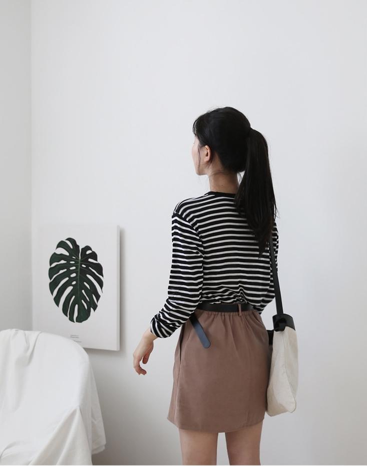 Áo kẻ ngang dài tay, item mặc thế nào cũng đẹp không thể thiếu trong tủ đồ thu của các nàng - Ảnh 14.