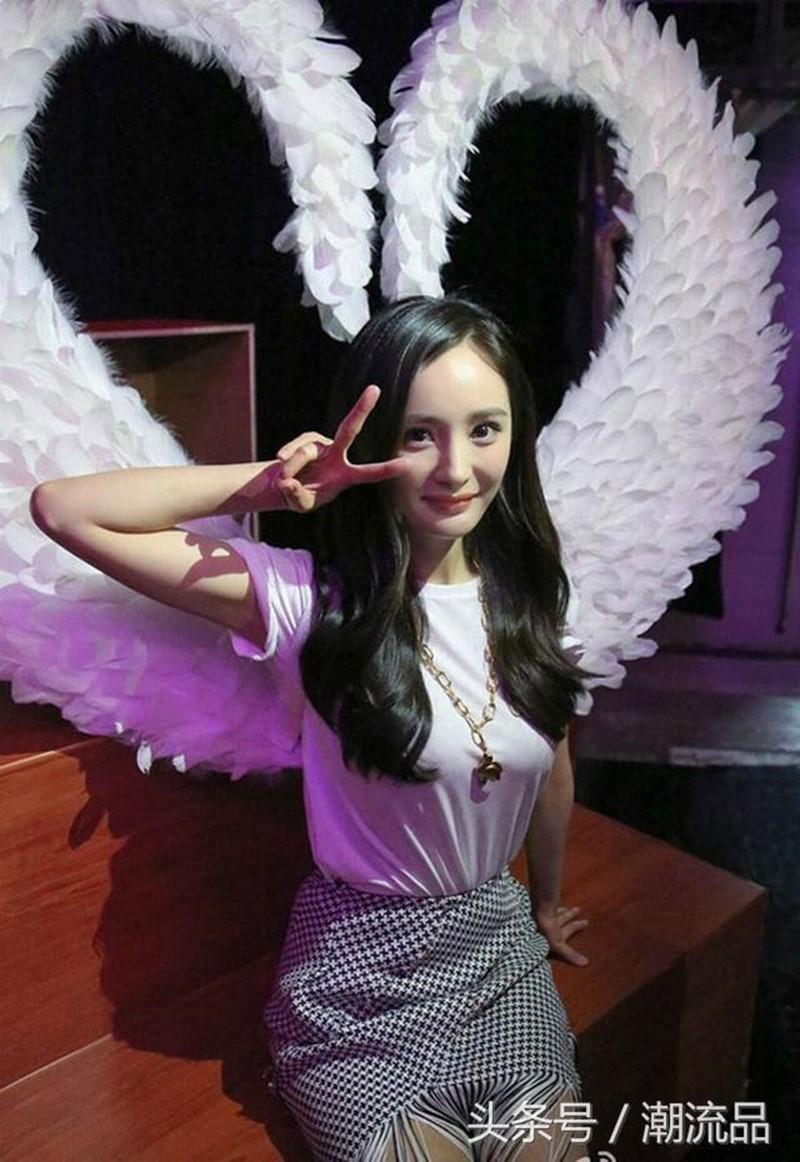 Hóa ra Dương Mịch, Angela Baby... đều đã từng đeo cánh ăn theo các thiên thần Victorias Secret và trổ tài catwalk - Ảnh 12.