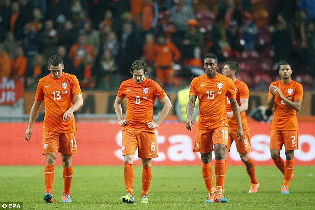 Argentina và Hà Lan không xứng đáng với những giọt nước mắt - Ảnh 2.