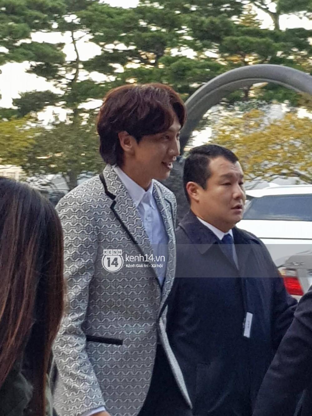 Lộ clip hiếm ghi lại toàn bộ bài phát biểu Lee Kwang Soo và Yoo Ah In gửi Song Song trong siêu đám cưới - Ảnh 2.