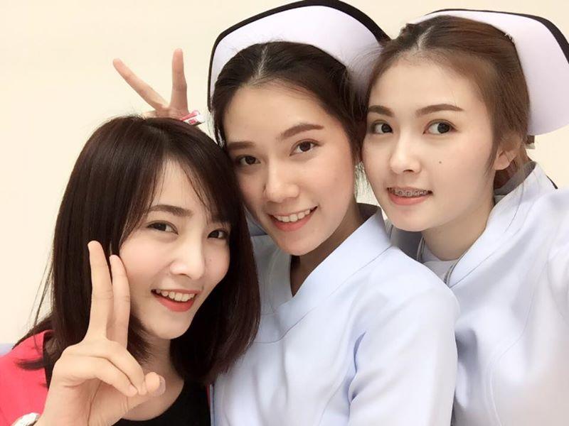 Bức ảnh siêu hot: 3 cô y tá đã xinh lại còn làm cùng viện với nhau! - Ảnh 2.
