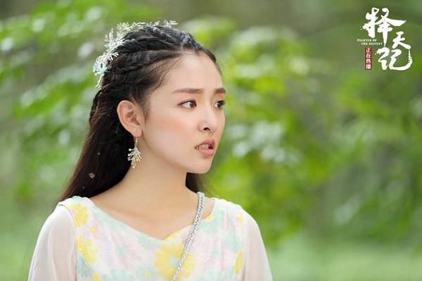 """""""Trạch Thiên Ký"""": Luhan đau lòng """"thoa son"""" cho Cổ Lực Na Trát - Ảnh 13."""
