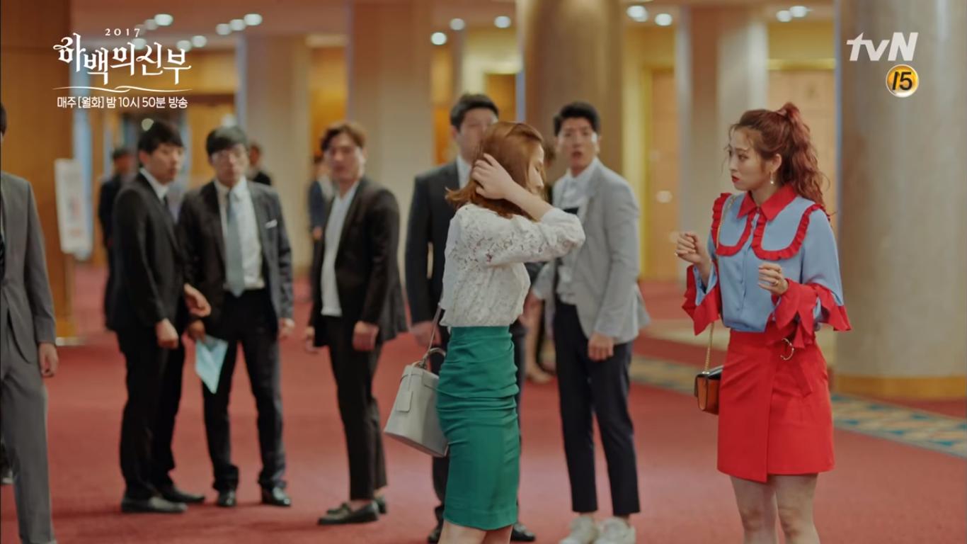 """""""Cô Dâu Thủy Thần"""": Nam Joo Hyuk là Hà Bá nhưng lại biết bay, xịn chưa! - Ảnh 15."""