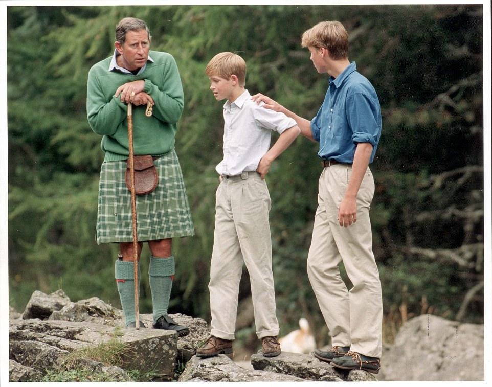 Chùm ảnh: Những khoảnh khắc hạnh phúc và ngọt ngào của Công nương Diana bên các con - Ảnh 18.