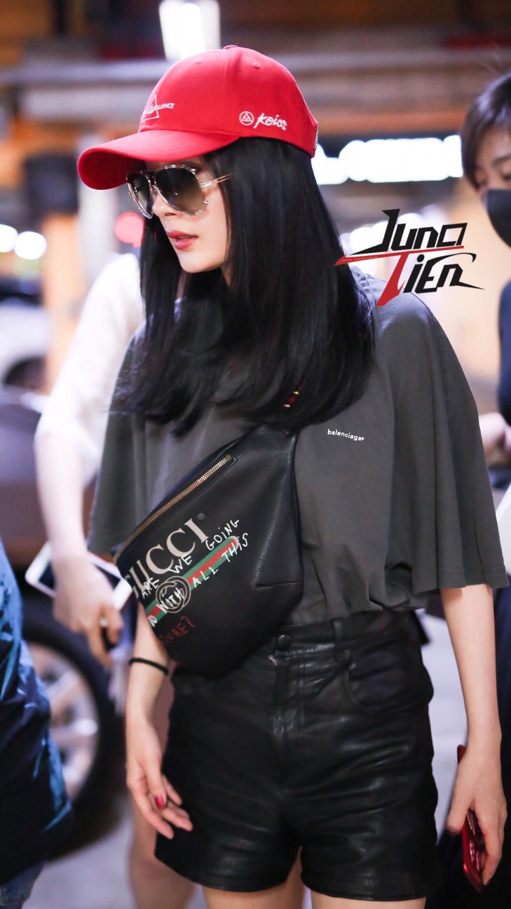Nổi tiếng mặc đẹp nhưng Dương Mịch cũng từng có vô số pha mặc lỗi chẳng muốn nhìn lại như thế này - Ảnh 3.