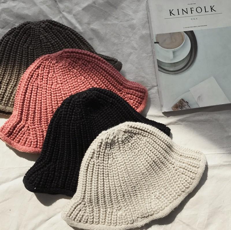 Mải mê diện mũ nồi, dễ là bạn đã bỏ lỡ hàng loạt kiểu mũ len xinh xắn của mùa đông năm nay đấy - Ảnh 15.