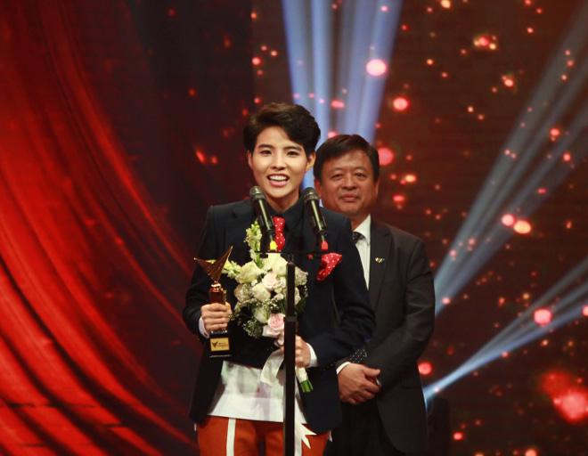 Mỹ Tâm biểu diễn ca khúc ồn ào đạo nhái của Khắc Hưng tại VTV Awards, bị MC Lại Văn Sâm trêu là lấy chồng muộn - Ảnh 6.