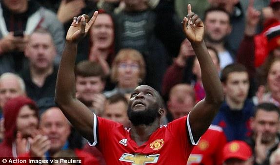 Man Utd thắng 4 sao, cân bằng kỷ lục về điểm số sau 7 vòng đấu - Ảnh 4.