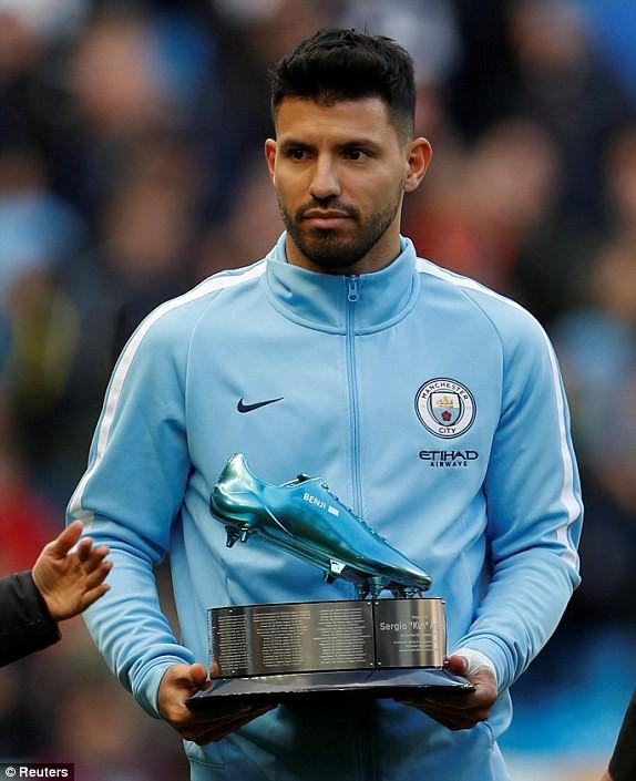 Sergio Aguero: Từ đứa trẻ dị tật ở cổ vươn lên thành chân sút vĩ đại nhất Man City - Ảnh 4.
