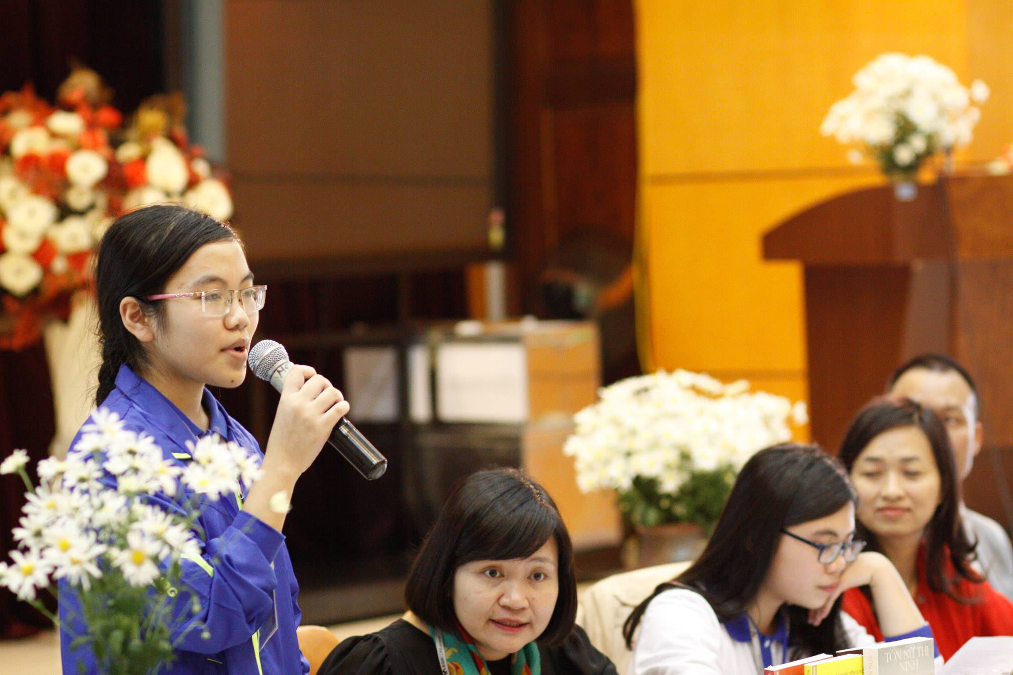 Cô gái vàng Vật lý lớn lên từ gánh phở trở thành nữ sinh duy nhất đạt gương mặt trẻ Việt Nam tiêu biểu - Ảnh 5.