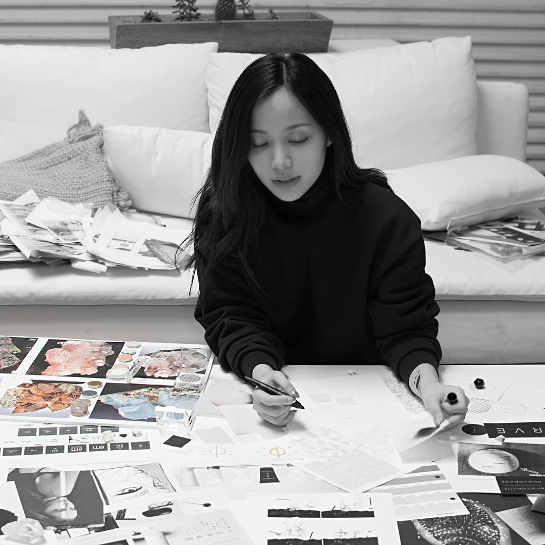 Lí do Michelle Phan giải thích việc biến mất đã thức tỉnh nhiều cô gái: Thật giàu hay thật nhiều tiền cũng chẳng để làm gì! - Ảnh 1.