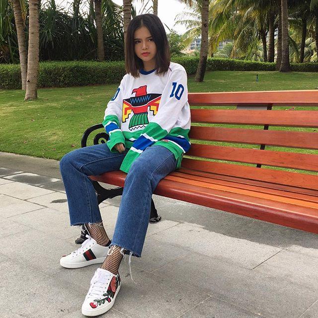 Feifei - cô nàng 20 tuổi được bố mẹ cho hơn 200 triệu đồng/tháng chỉ để mua đồ streetwear - Ảnh 12.