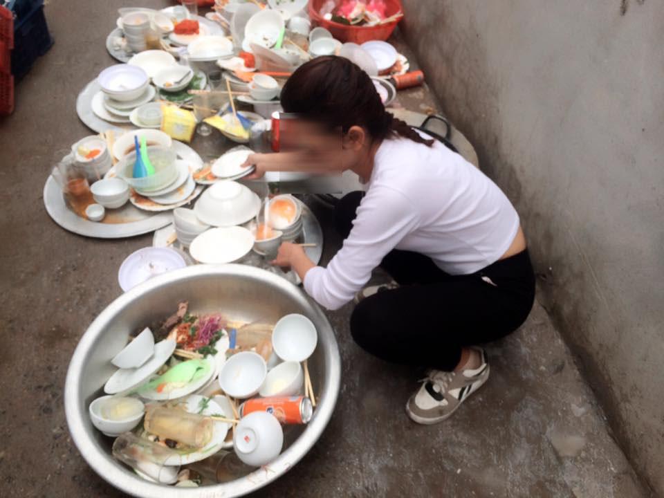 Đi phụ đám cưới, cô gái lên mạng sống ảo than nhà người yêu bắt rửa cả núi bát đĩa - Ảnh 3.