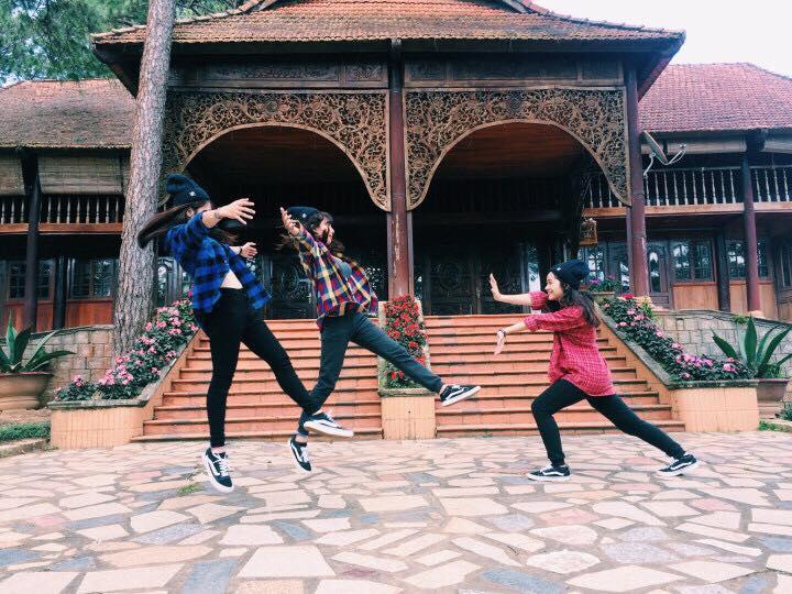 """Cần gì người yêu, cứ đi du lịch với """"hội chị em"""" như 3 cô bạn này là đủ vui lắm rồi! - Ảnh 10."""