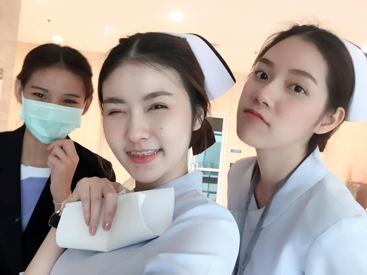 Bức ảnh siêu hot: 3 cô y tá đã xinh lại còn làm cùng viện với nhau! - Ảnh 3.