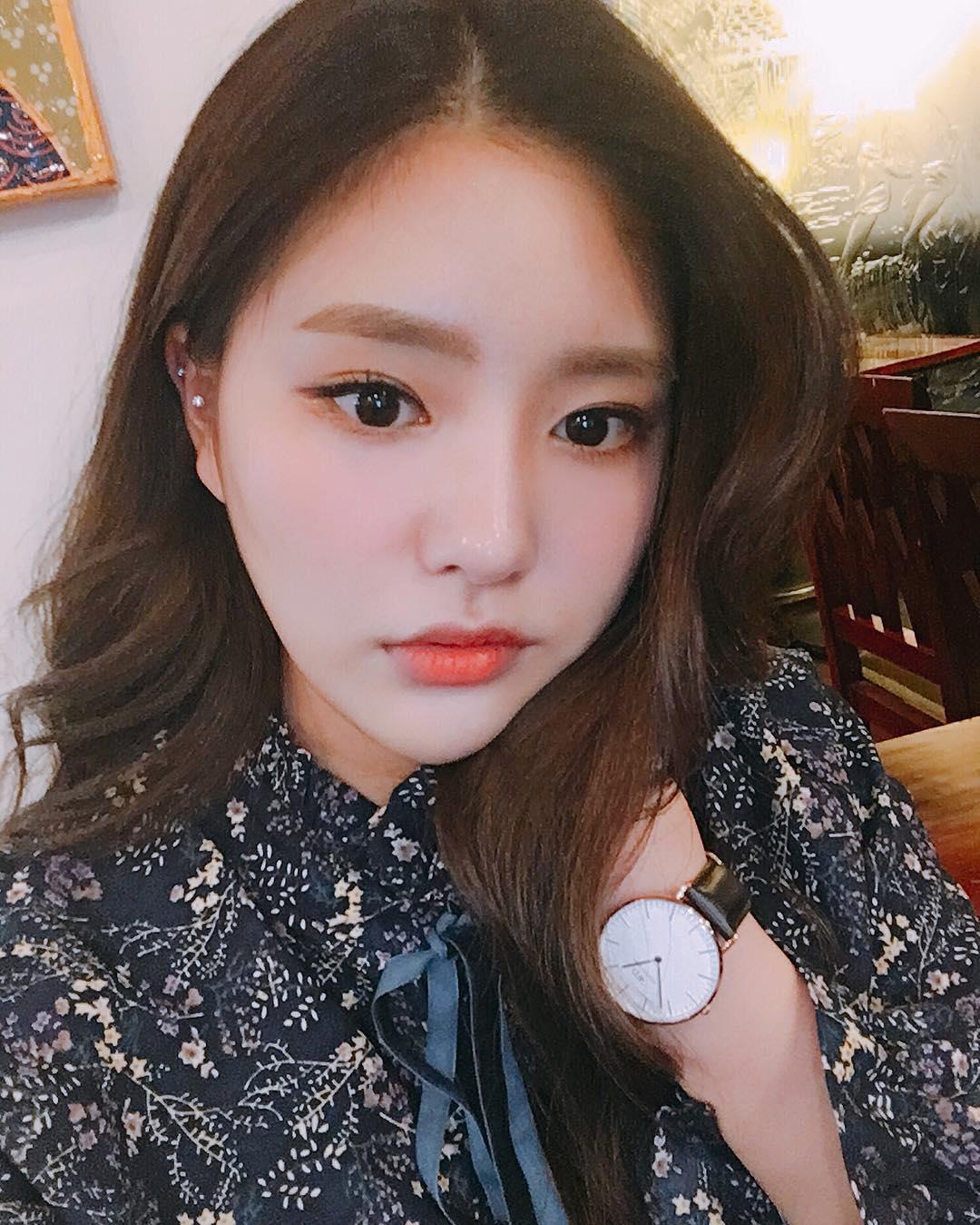 Makeup với màu đào - Xu hướng làm đẹp hot số 1 đang khiến con gái Hàn mê tít - Ảnh 2.