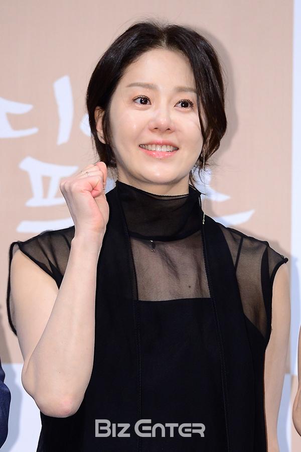 Trước Kim Tae Hee, đây là những tượng đài nhan sắc đại diện cho cả làng giải trí Hàn - Ảnh 16.