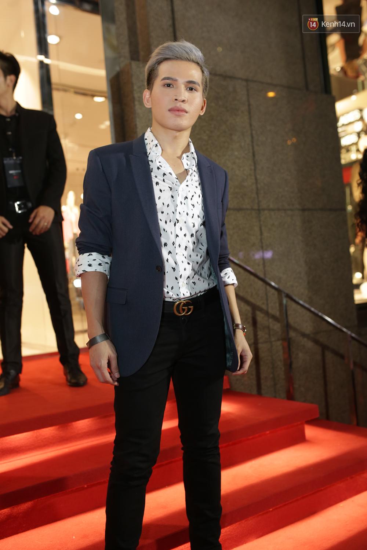Angela Phương Trinh & Chi Pu quá đỗi sành điệu, công phá thảm đỏ sự kiện ra mắt H&M Việt Nam - Ảnh 16.