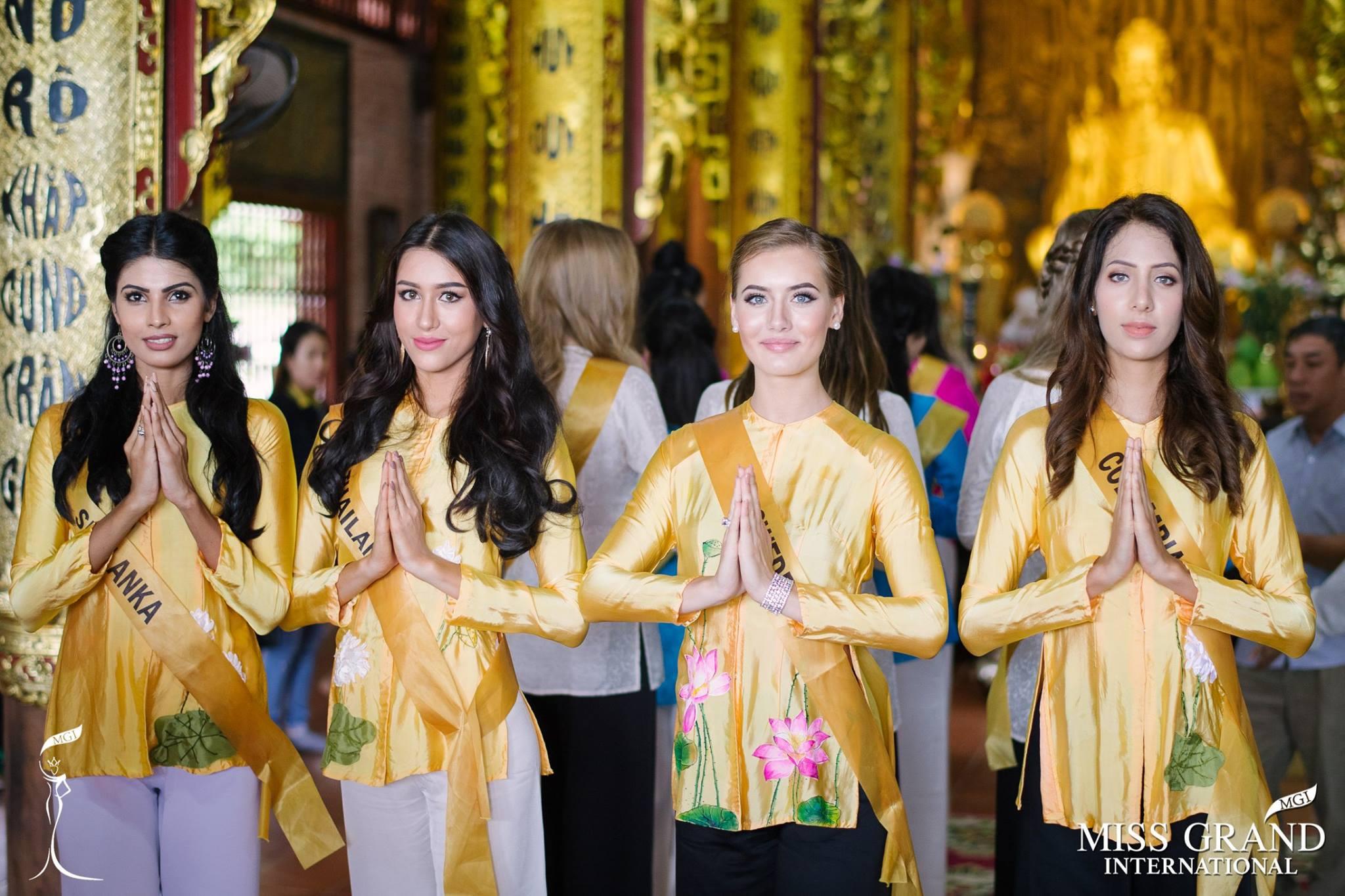 Thí sinh Miss Grand International 2017 duyên dáng trong tà áo bà ba vãn cảnh chùa - Ảnh 4.