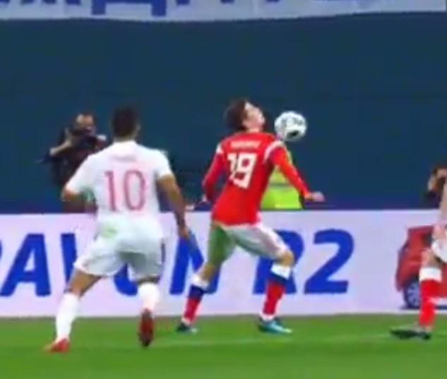 Tây Ban Nha hòa chủ nhà World Cup 2018 dù được hưởng hai quả phạt đền - Ảnh 6.