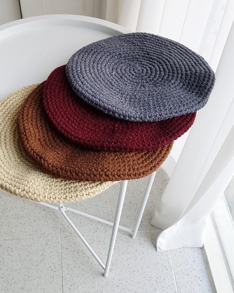 Mải mê diện mũ nồi, dễ là bạn đã bỏ lỡ hàng loạt kiểu mũ len xinh xắn của mùa đông năm nay đấy - Ảnh 16.