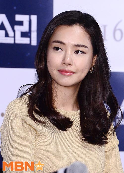 Bi Rain và Kim Tae Hee chính thức xác nhận làm đám cưới vào ngày mai! - Ảnh 2.
