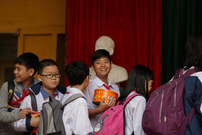 Học sinh Hà Nội tổ chức quyên góp đồ ăn, bánh kẹo sau Tết đi từ thiện - Ảnh 6.