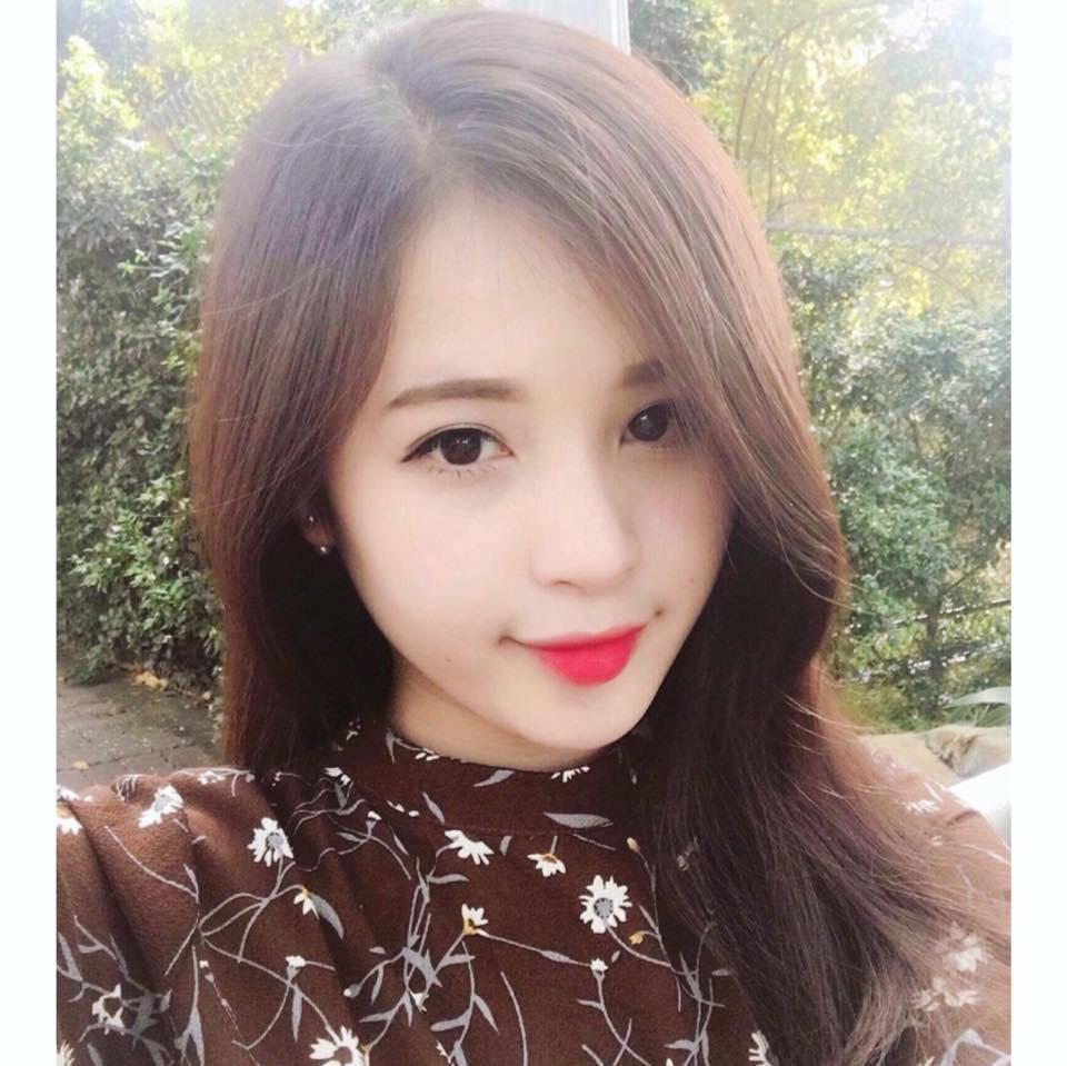 Cộng đồng mạng săn lùng cô cổ động viên xinh đẹp trong trận bóng Việt Nam - Afghanistan - Ảnh 6.