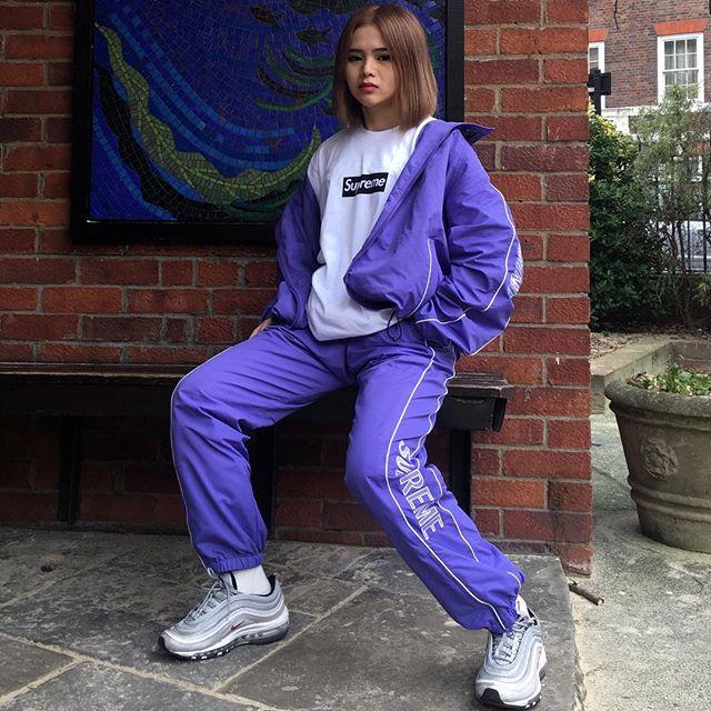 Feifei - cô nàng 20 tuổi được bố mẹ cho hơn 200 triệu đồng/tháng chỉ để mua đồ streetwear - Ảnh 20.