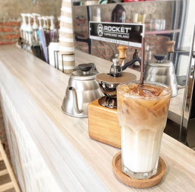 4 quán mới này sẽ chứng minh chẳng bao giờ bạn đi hết nổi cafe đẹp ở Bangkok! - Ảnh 18.