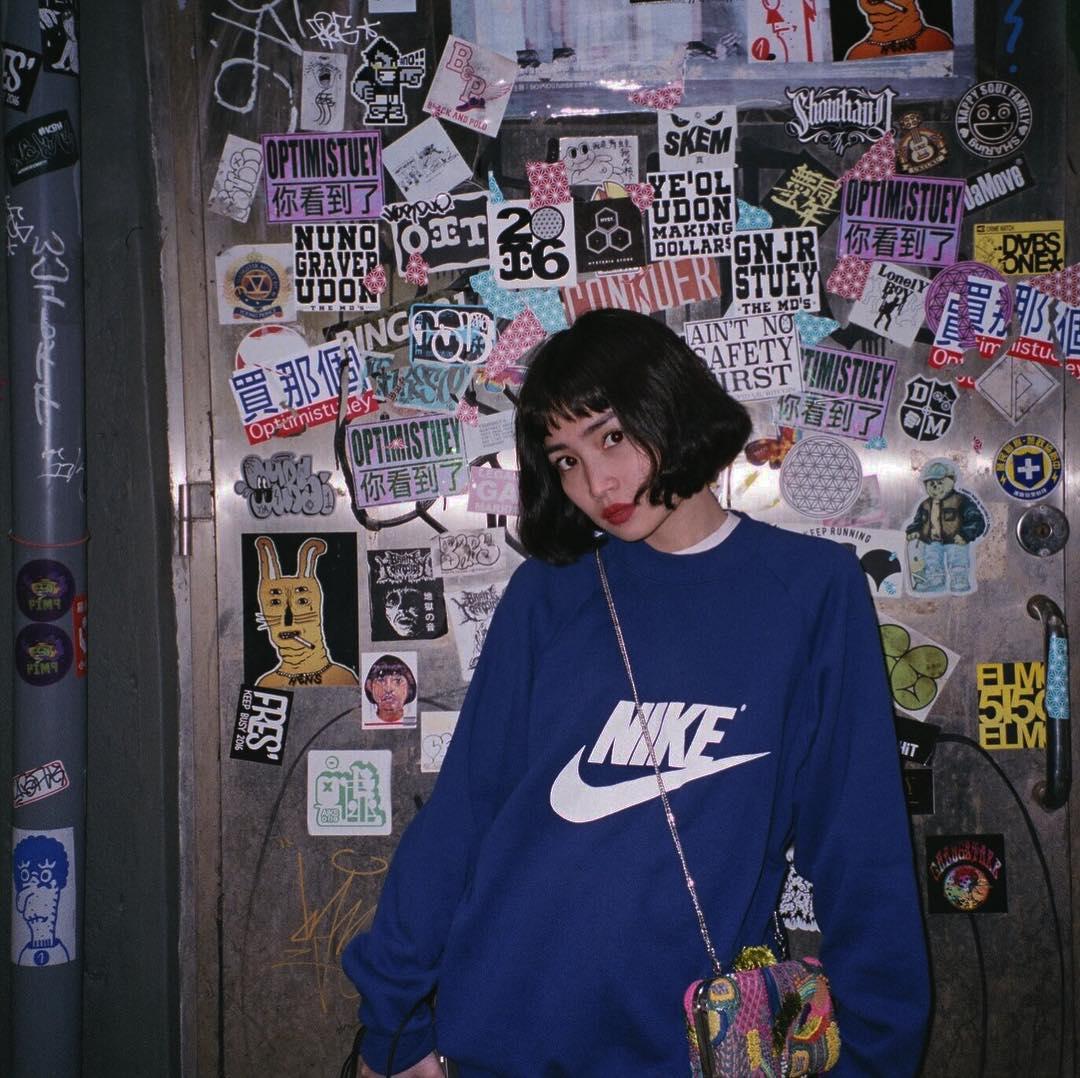 Hiếm ai được như Louis Hà, hot girl mi nhon chỉ diện crop top và quần cạp cao mà vẫn đẹp quên sầu - Ảnh 18.