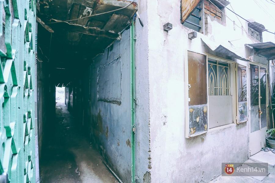 Từ vụ cháy nhà trong hẻm nhỏ khiến 3 mẹ con tử vong ở Sài Gòn: Thấp thỏm sống trong những con hẻm chỉ vừa một người đi - Ảnh 10.