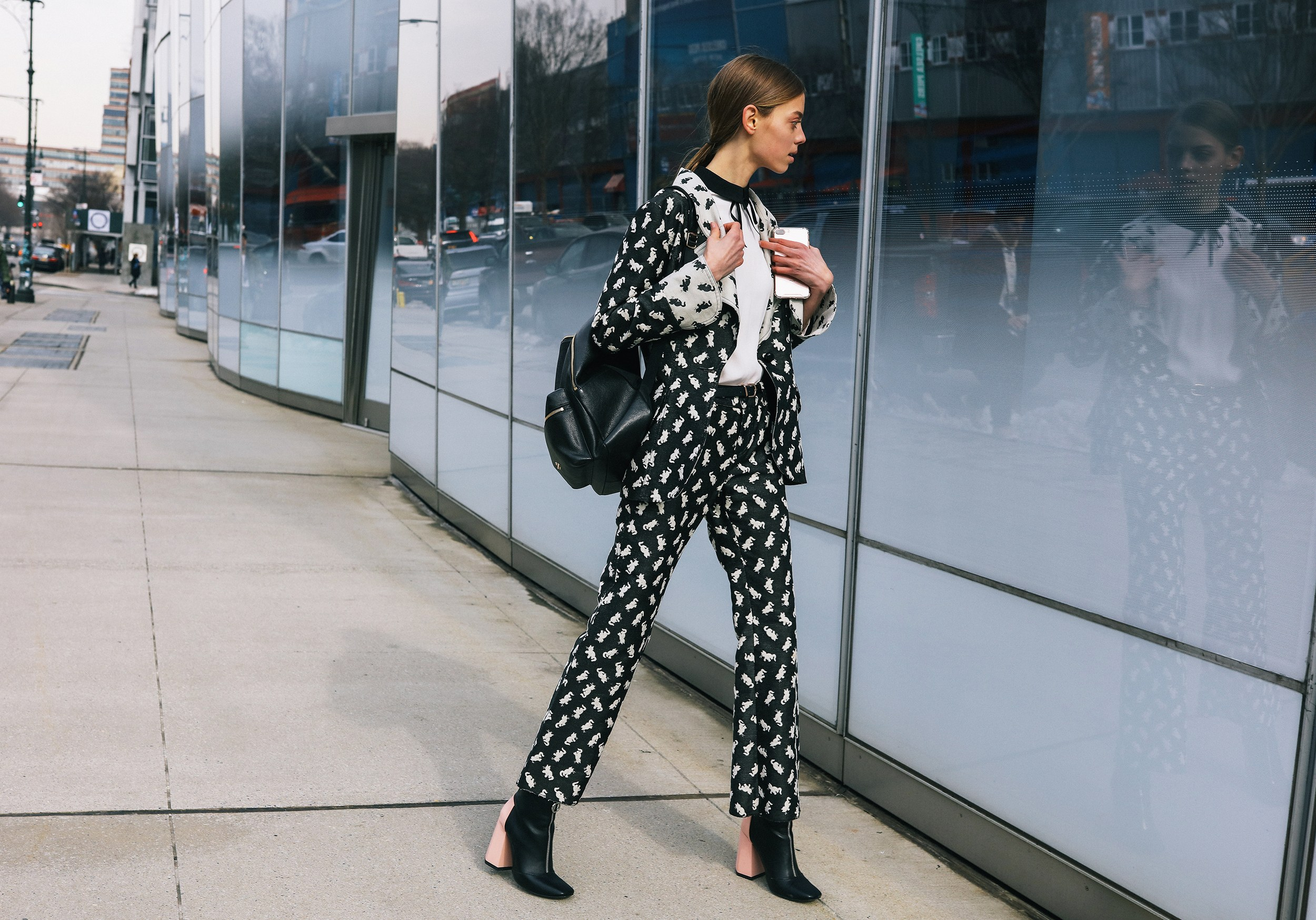 Chiêm ngưỡng đặc sản street style đẹp khó rời mắt tại Tuần lễ thời trang New York - Ảnh 20.