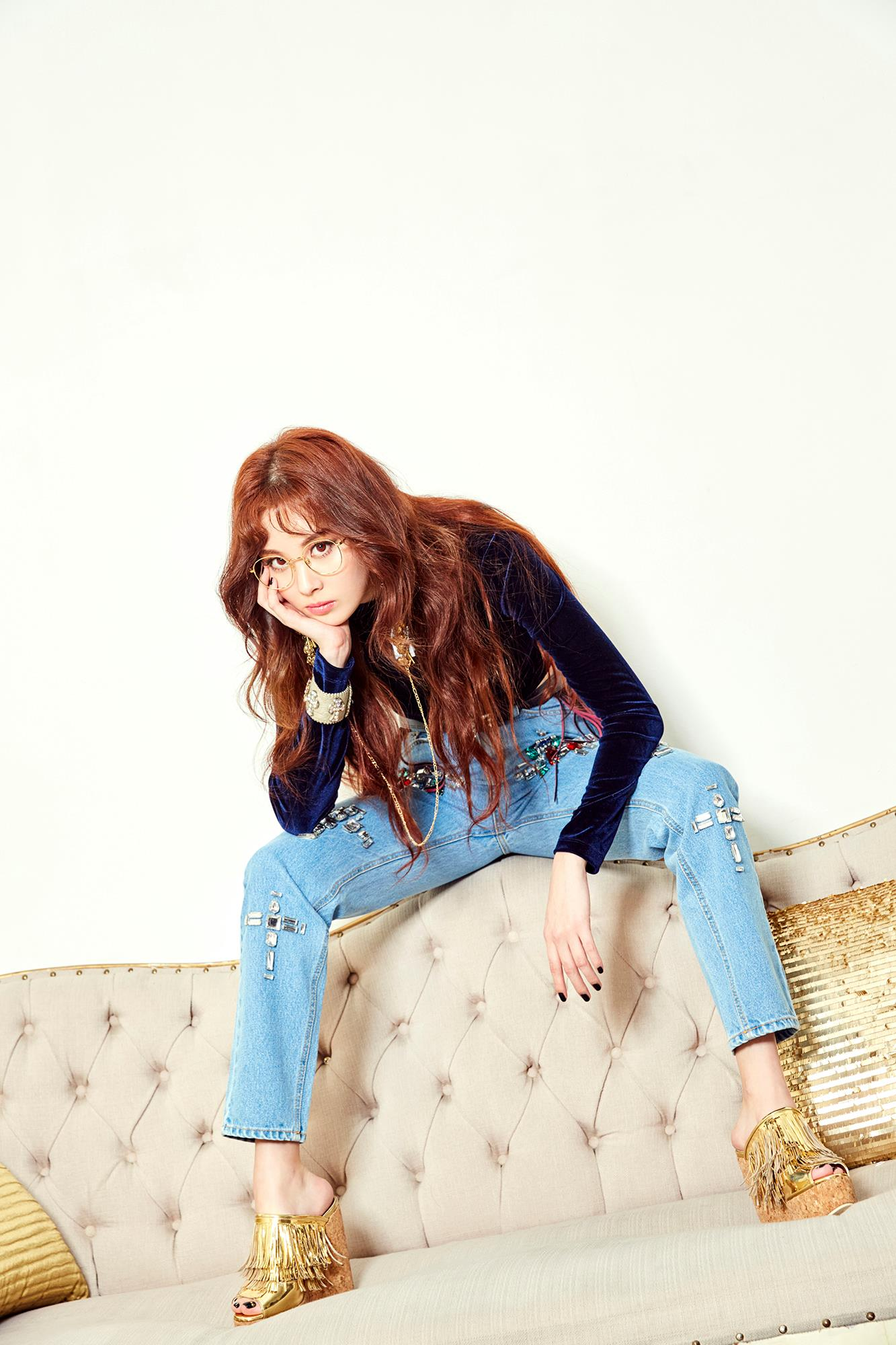 Seohyun (SNSD): Từ quý cô quyến rũ đến ngồi dạng tè he nhá hàng - Ảnh 2.