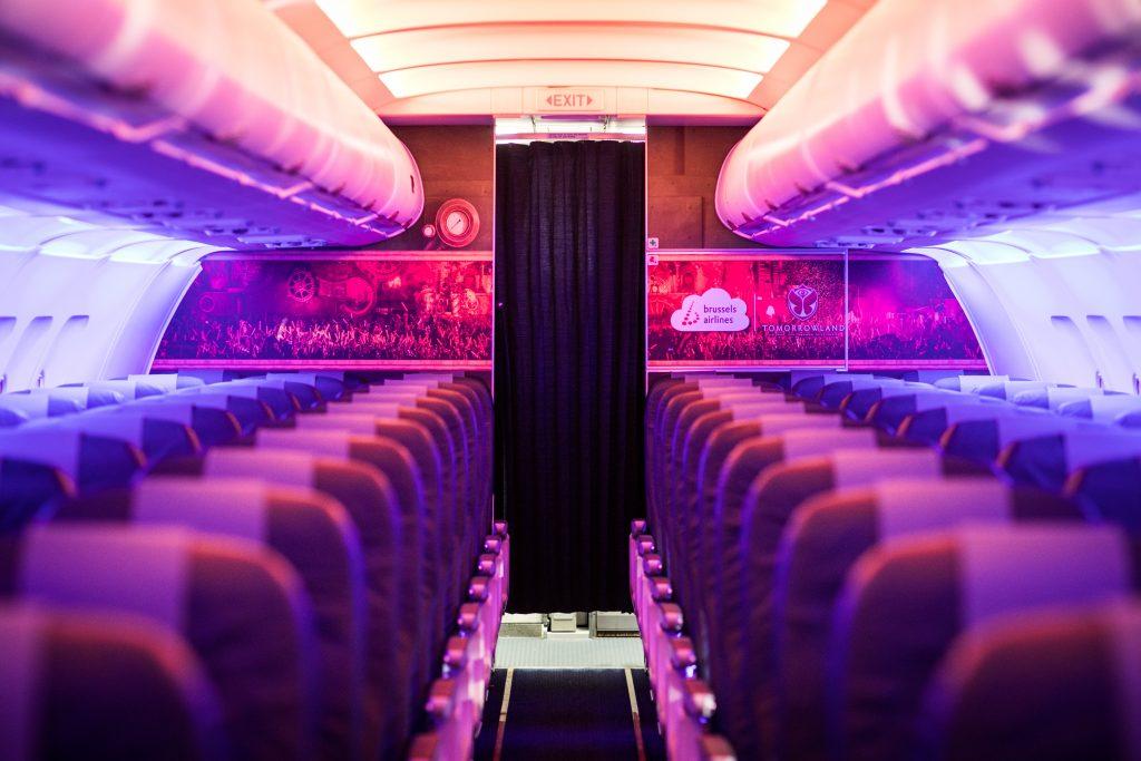 Tomorrowland 2017 cháy vé sau 5 tiếng mở bán, chịu chơi với máy bay thiết kế riêng - Ảnh 7.