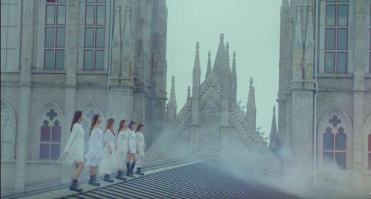 10 địa điểm huyền thoại đã xuất hiện trong ty tỷ MV Kpop - Ảnh 37.