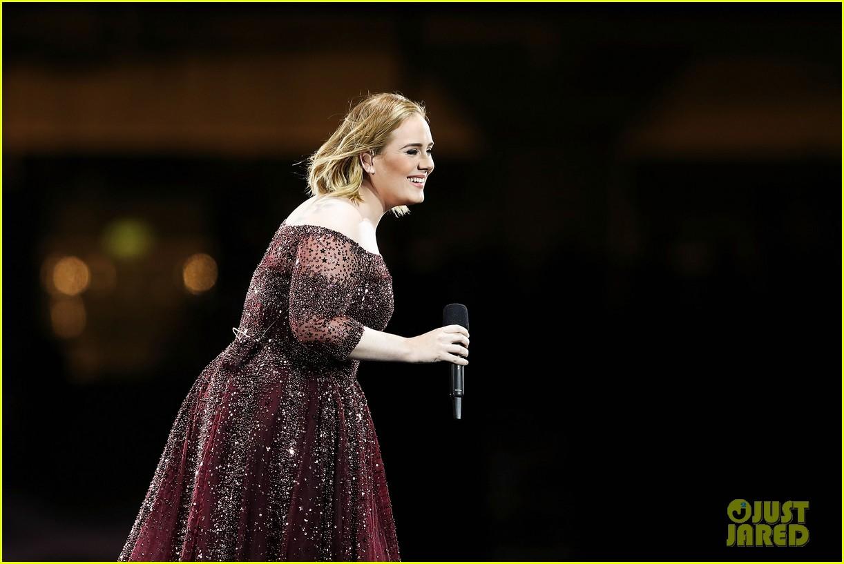Adele lên tiếng bảo vệ khi khán giả la ó phản đối Justin Bieber - Ảnh 3.