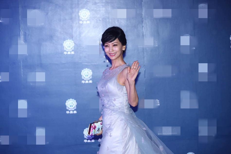Thảm đỏ Hoa Đỉnh 2017: Chân gầy khẳng khiu, Đường Yên vẫn cân dàn mỹ nhân Cbiz nhờ nhan sắc ngọt ngào - Ảnh 8.
