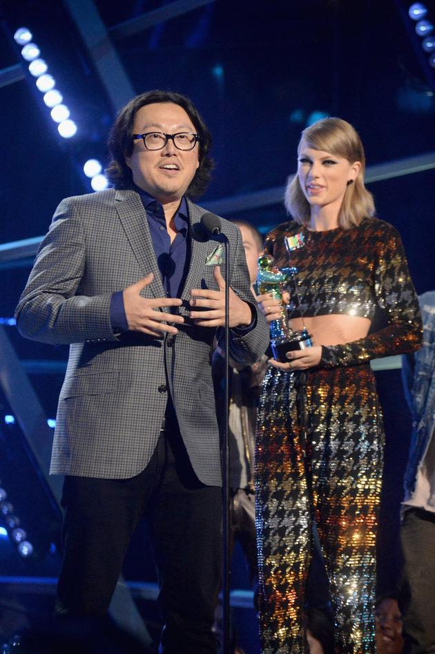 Bị tố đạo Beyoncé, đạo diễn LWYMMD quay sang tố ngược Beyoncé bắt chước Taylor - Ảnh 1.