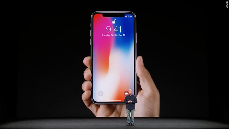 Apple: Bạn bè có thể không nhận ra bạn khi trang điểm, nhưng FaceID vẫn làm được việc đó - Ảnh 1.